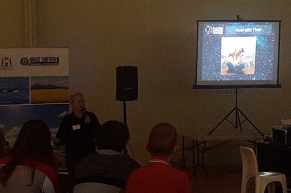 Volunteer Kim Steele giving a talk at Albany Science Rocks 2018. Image Credit: Matt Woods