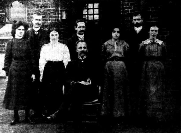 Government astronomer William Ernest Cooke and staff of the Perth Observatory, including Prudence Valentine Williams (believed to be the woman on the far left) in 1910. Image Credit: Sunday Times