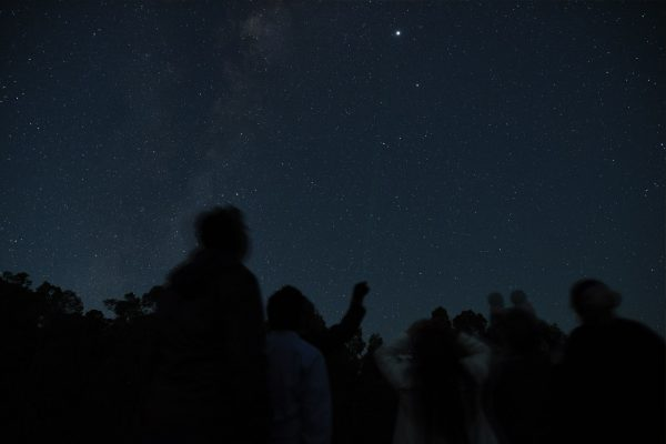 Geoff showing how to find the star. Image Credit: Matt Woods